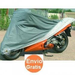 Funda exterior de PVC e interior de Algodon para motocicleta y scooters. Talla XL. Medidas: 246 cm x 104 cm x 127 cm.